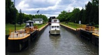 Riva Canal New York oluyor